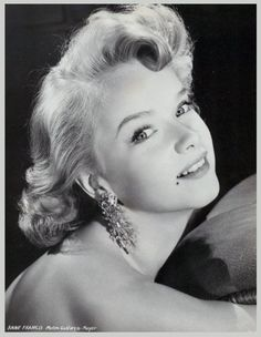 Anne FRANCIS (1930-2011) [] Active 1936-2006 > Born 16 Sept 1930 New York > Died 2 Jan 2011 (aged 80) California, pancreatic cancer > Spouses: Bamlet Lawrence Price Jr. (1952-55 div); Robert Abeloff (1960-64 div) > Children: 2 (1 adopted)