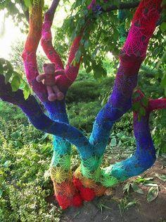 yarn bombing 5 - Vivir Creativamente