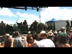 Willie Nelson 4july picnic