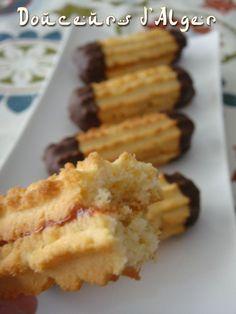 DSC00463 Crazy Cookies, Yummy Cookies, Biscuit Cookies, Cupcake Cookies, Eid Cake, Cookie Recipes, Dessert Recipes, Algerian Recipes, Desserts With Biscuits