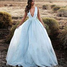 Gown by @lurelly  @wedding_iinspiration @wedding_iinspiration