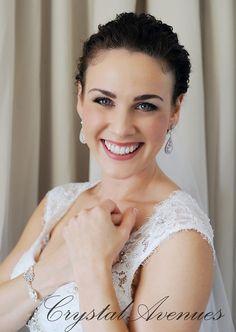 Bridal Earrings  Crystal wedding earrings door CrystalAvenues