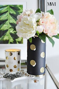 Kate Spade Sunset Street Lux Vase DIY knock-off tutorial Dollar Store Crafts, Dollar Stores, Deco Dyi, Kate Spade Party, Cylinder Vase, Diy And Crafts, Craft Projects, Apartment Office, Office Desk