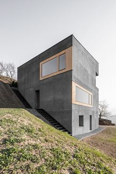 concrete + wood + windows + angles Dämmbeton in den Dolomiten