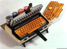 Typewriter Repurposed into a Keyboard Waffle Maker | Craziest Gadgets