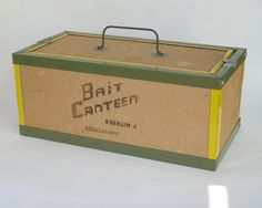 bait box as a wedding card box Bait And Tackle, Tackle Box, Fishing Bait, Fishing Tackle, Primitive Wall Decor, Fishing Wedding, Vintage Tin Signs, Card Box Wedding, Vintage Fishing