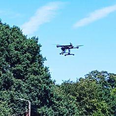 Celui là il film en 4K .... c'est super intéressant à voir ... personnellement j'adore.  #4k #drone #yuneec