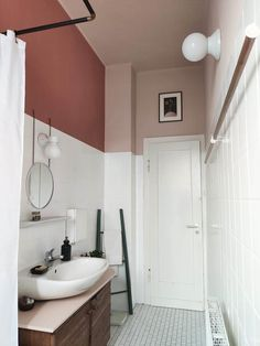 Bad Inspiration, Bathroom Inspiration, Home Decor Inspiration, Rental Bathroom, Small Bathroom, Dream Home Design, House Design, Diy Garden Bed, Student Room