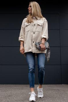 The lovely @bitsandbobsbyeva w/ the MAJAVIA Crossbody Bag in grey. Crossbody Bag, Normcore, Grey, Coat, Spring, Jackets, Bags, Style, Fashion
