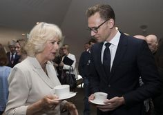 Tom Hiddleston avec Camilla Parker-Bowles, 2016.
