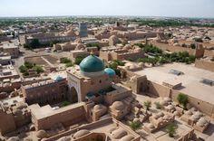 Khiva, el corazón de la Ruta de la Seda en Uzbequistán Moorish, World History, Location History, Taj Mahal, Africa, Explore, Architecture, City, Building