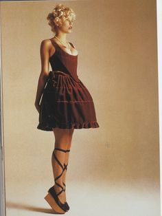 She looks like she wants pointe shoes and a proper tutu. #1990s #FashionAndBallet #capeziostudio2street