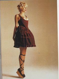 She looks like she wants pointe shoes and a proper tutu. #1990s #FashionAndBallet #capeziostudio2street