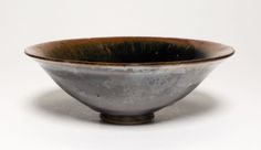 Bowl, Song dynasty (960-1279). Jian ware; Stoneware with black glaze. H. 4.8 cm; diam. 13.5 cm. Bequest of Russell Tyson, Art Institute of Chicago ©2015