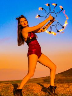 Intresting idea for fire fans frame shaped like sun. Take a look in etsy for this kevalr fire fans. At Home Workout Plan, At Home Workouts, New Things To Learn, Cool Things To Buy, Teen Romance Books, Fire Fans, Forever Products, Iphone Wallpaper Sky, Trains
