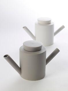theepot lovatt grijs porselein | SERAX | www.designlemonade.com