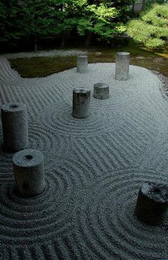 Raked stone is a manifestation of mindfulness and man's intentional search and expression of natural patterns of disturbance . the flow of energy. Landscape Design Small, Modern Garden Design, Urban Landscape, Contemporary Landscape, Small Gardens, Zen Gardens, Modern Gardens, Cottage Gardens, Modern Landscaping