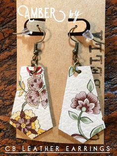 Earrings Dangle Spring is here. loads of gorgeous florals are showing up! Genuine leather, hand cut, nickel free, lightweight leather earrings by CB Leather Earrings. Available at a price you can't beat! Fabric Earrings, Wood Earrings, Fabric Jewelry, Diy Earrings, Leather Earrings, Leather Jewelry, Leather Craft, Wooden Jewelry, Diy Jewelry