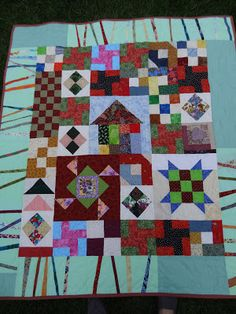 I love the border on this quilt. Love Laugh Quilt