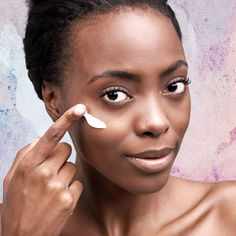 """Dark circles result from a pooling of blood under the eyes, says """"Essence,"""" and they can plague you along with puffiness and wrinkles. Just because black women have darker skin does not mean they are not faced with these undereye woes. Pinterest Design, Skin Care Regimen, Skin Care Tips, Beauty Regimen, Make Up Black, Dark Spots On Skin, Dark Skin, Acne Spots, Brown Spots"""