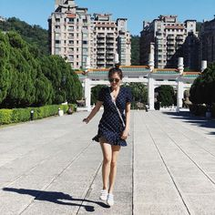 Alex Gonzaga Is Our Newest Travel Style Crush – Star Style PH – travel outfit summer Hongkong Outfit Travel, Travel Ootd, Travel Outfit Summer, Taipei Travel, Fall Outfits, Summer Outfits, Fashion Outfits, Summer Ootd, Onitsuka Tiger Women Outfit