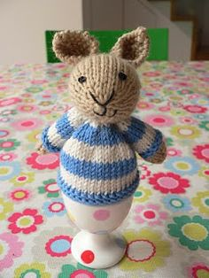 Not Just Another Cupcake: Little bunny egg cosy