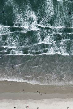 Aerial view of waves No Wave, Grand Art, All Nature, Am Meer, Monochrom, Birds Eye View, Aerial Photography, Beach Photography, Photography Ideas