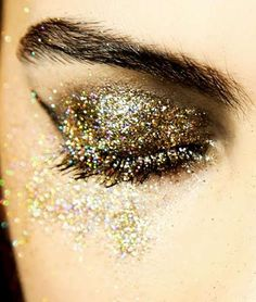 .gold glitter eye shadow