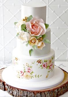 I would leave the bottom layer out – the top two layers are just lovely with understated elegance. Elegant Wedding Cakes, Beautiful Wedding Cakes, Gorgeous Cakes, Wedding Cake Designs, Pretty Cakes, Elegant Cakes, Bolo Floral, Floral Cake, Hand Painted Cakes