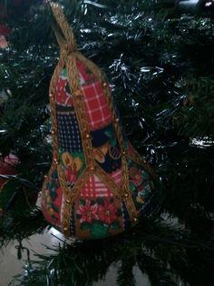 Campana di Natale in patchwork senz'ago
