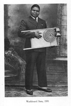 Washboard Sam - blues songwriter, singer and washboard musician who performed regularly with Big Bill Broonzy, Memphis Slim, and Tampa Red, recording hundreds of sides. Singing Lessons, Singing Tips, Jazz Blues, Blues Music, Pop Music, Blue Roots, Blues Artists, Jazz Artists, Jazz Musicians