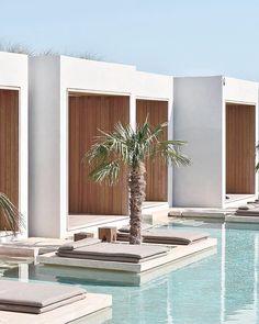 Concrete Architecture, Interior Architecture, Ideas De Piscina, Greece Design, Resort Interior, Pool Landscape Design, Modern Villa Design, Modern Entrance, Backyard Pool Designs