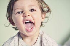 Die schönsten Zahnputzlieder und Zahnputzreime für Babys | Schon ab dem ersten Zahn sollten Eltern auf die Mundhygiene ihres Kindes achten. Mit lustigen Reimen und Zahnputzliedern wird das leidige Thema Zähneputzen zum Kinderspiel.
