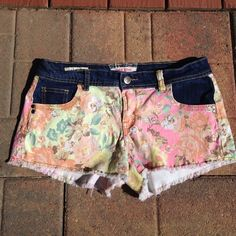 Hot Kiss Shorts Pre owned used condition. Cici short. Size 11   98% cotton. 2% spandex. (Shell). 68% cotton 3% polyester 1% spandex. (Comb). Hot Kiss Shorts Jean Shorts