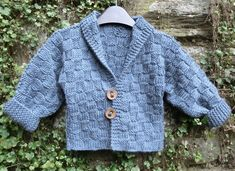 This is the knitting pattern for a warm snuggly baby jacket worked in one piece.Sizes 36 months Chest size: cm/in Actual cm/in Back Length: cm/in Sleeve cm/inMaterials x balls Debbie Bliss Cashmerino Aran shade 205 yards) 1 pair of 5 m.
