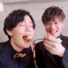 Shinichiro KamioさんはInstagramを利用しています:「#神ディナー 終わり!! あー楽しかった!!! 駒ちゃんに #patriqo をプレゼント! コンクリートの壁は色を吸うよね← 来月のご来店もお待ちしております!! #駒田航 #神尾晋一郎」 Rap Battle, Grunge Hair, Voice Actor, Actors, Best Cosplay, The Voice, Rapper, Actresses, Spas