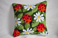 Cross-stitch Ladybugs  Daisies, part 1...    Gallery.ru / Фото #5 - Подушки схемы - olgavovk