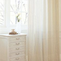 """How To: Create a """"Dust-Free"""" Bedroom. (How to drastically reduce the potential allergens in your bedroom.)"""