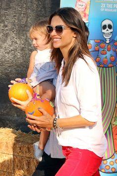 Alessandra Ambrosio Photo - Alessandra Ambrosio Picks Out Pumpkins