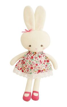 (http://www.spearmintlove.com/large-hannah-bunny-flower-bouquet/)