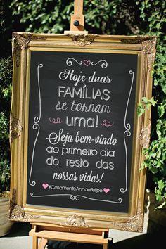 Decore seu casamento com os pôsteres! <br>Eles são lindos e deixam seu casamento ainda mais personalizado. <br> <br>>>> INFORMAÇÕES: <<< <br> <br>{ PERSONALIZAMOS COM AS CORES DO SEU CASAMENTO - SEM VALOR ADICIONAL } <br> <br>** NÃO ACOMPANHA MOLDURA ** <br> <br>>>> Mais informações: <<< <br> <br>Material: Papel 300g com alta qualidade de impressão. <br>Medidas: 42 x 29,7 cm