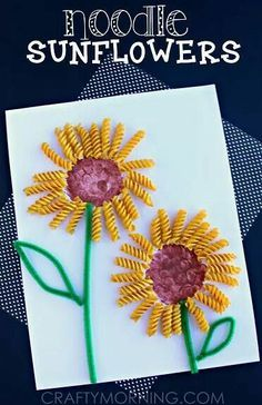 These nine simple sunflower crafts are great for a lazy summer afternoon activity with the kids. Informations About Discover 10 Sunflower Crafts for Kids to. Summer Art Projects, Spring Crafts For Kids, Preschool Summer Crafts, Summer Arts And Crafts, Toddler Art Projects, Rainbow Crafts, Spring Flowers Art For Kids, Children's Arts And Crafts, Flower Craft Preschool