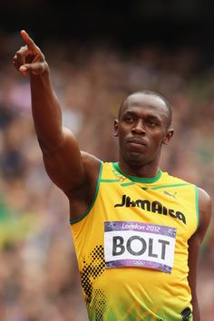 "English Premier League: Usain Bolt to get tryout with Manchester United ~ Usain Bolt will get the chance to fulfill one of his sporting dreams after being given a ""trial"" with English Premier League soccer club Manchester United. Nelly Furtado, Usain Bolt, Adidas Real Madrid, Premier League Soccer, Soccer Skills, Olympic Athletes, Fastest Man, English Premier League, Sports Stars"