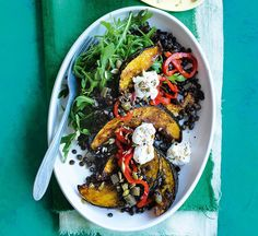 Sticky roasted squash with pumpkin seeds and lentils Roasted Capsicum, Roasted Squash, Indian Food Recipes, Healthy Recipes, Ethnic Recipes, Healthy Food, Free Recipes, Veggie Delight, Healthy Eating Habits
