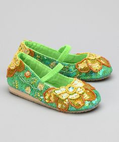 Aren't these cute? They look like little Esmeralda slippers.
