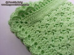 Easy crochet baby blanket pattern. Only one skein of yarn needed.