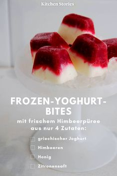 Frozen-Yoghurt-Bites mit Himbeeren little one a bite and freshly made # Raspberry puree, 4 simple ingredients and 15 minutes preparation time are all you need! Smoothie Recipes, Snack Recipes, Dessert Recipes, Frozen Yogurt Bites, Dessert Oreo, Raspberry Desserts, Ice Cream Bites, Vegetable Drinks, Easy Desserts