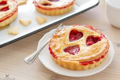 Strawberry and Rose Tartelettes {by Icing-Sugar.net}
