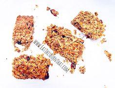 Homemade Muesli Bar - Refined Sugar Free and no nasties! Quick Healthy Breakfast, Breakfast Recipes, Homemade Muesli Bars, Quick Easy Meals, Meal Prep, Healthy Recipes, Cleaning, Eat, Sugar Free