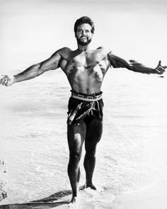 American bodybuilder and actor Steve Reeves as Hercules in 'Hercules Unchained' , directed by Pietro Francisci, Get premium, high resolution news photos at Getty Images Drop Sets Workout, Lose Fat Workout, Boxing Workout, Body Fitness, Physical Fitness, Physical Exercise, Health Fitness, Bodybuilder, Muscle Hunks